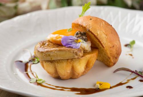 entrada_brioche-e-foie-gras_c-la-vie_fernando-zequinao
