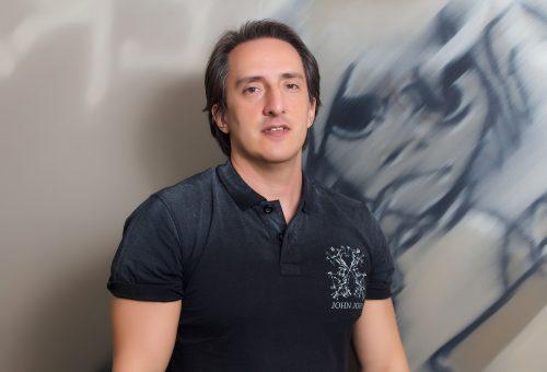 César Brecailo - Au-Au